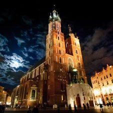 Jak dotrzeć do Krakowa oraz co w nim zwiedzać ?