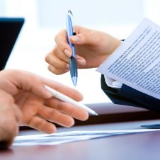 Dokumenty potwierdzające okoliczności wskazane we wniosku o wydanie zezwolenia na zakup nieruchomości w Polsce przez cudzoziemca