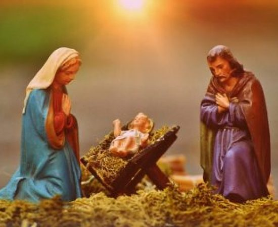 christmas-crib-figures-1060059_640
